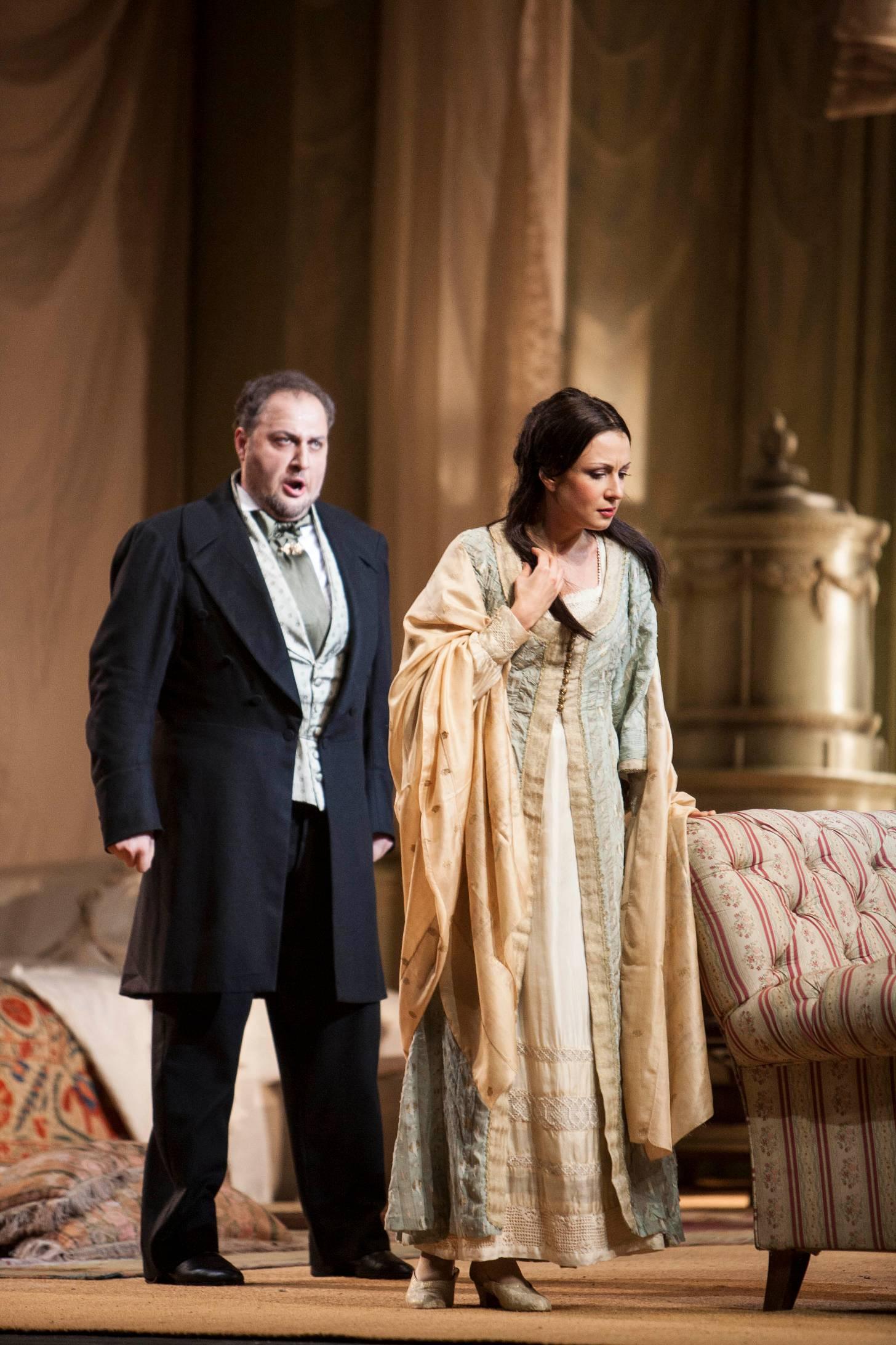 Germont alla Scala 2007 con Irina Lungu nei panni di Violetta, credit Marco Barcia / Teatro alla Scala